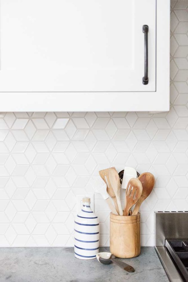 lustrous diamond pattern mosaic kitchen backsplash