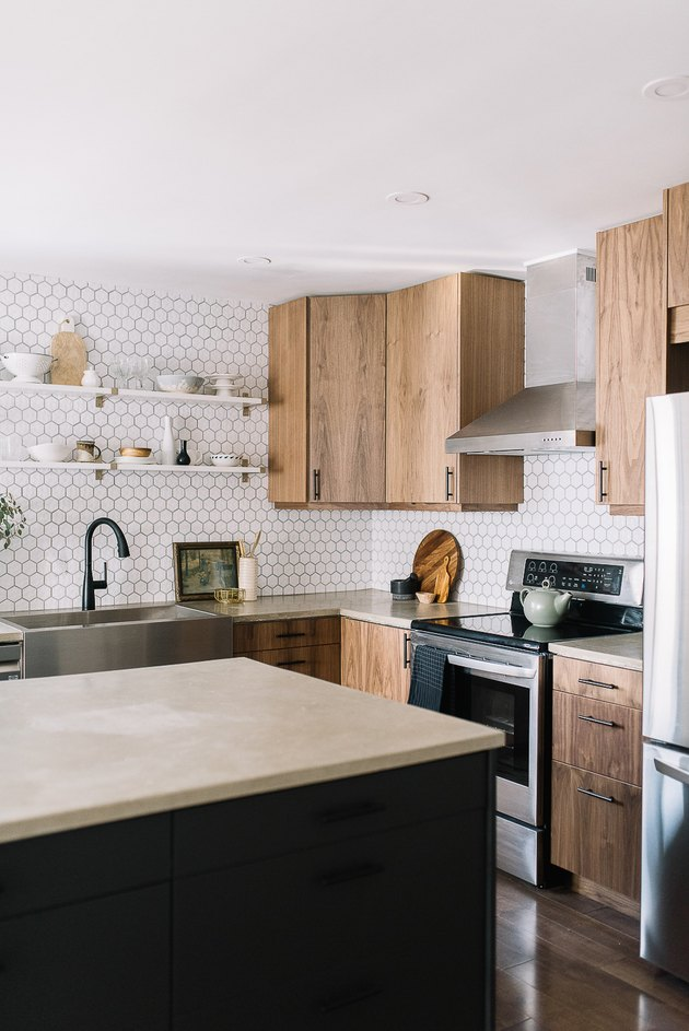 Hexagonal backsplash from counter to ceiling