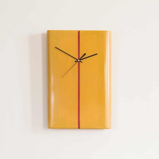 Salty Wall Clock Bolge 15T