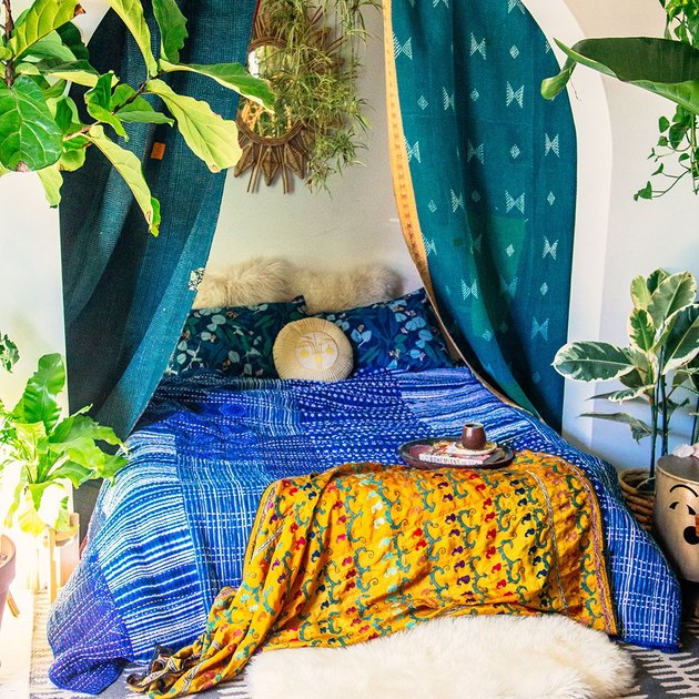 tropical bedroom idea with patterned textiles