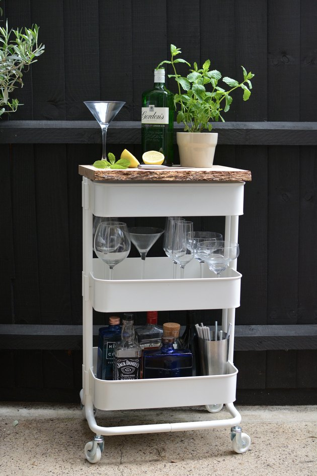 DIY Outdoor Drinks Station