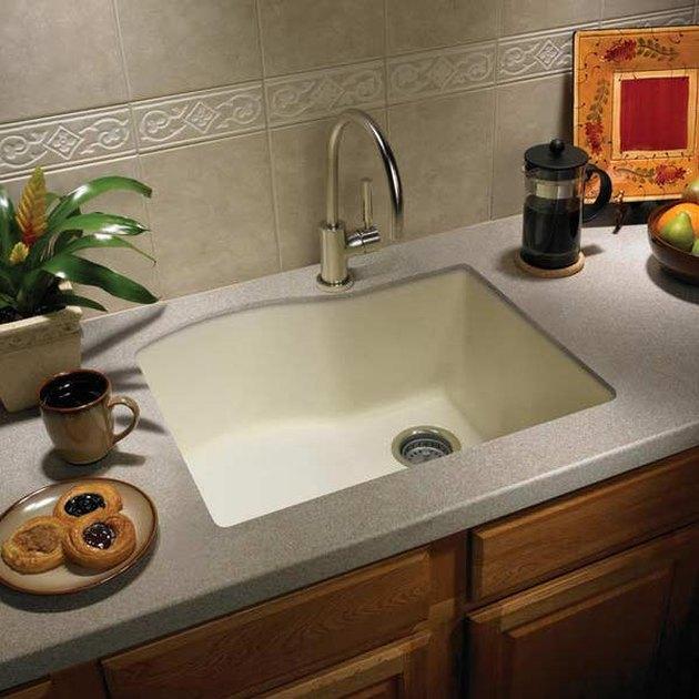 Undermount kitchen sink.