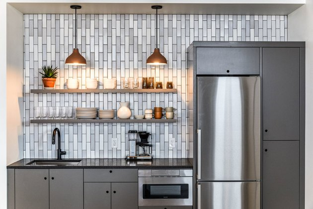 small kitchen decorating ideas with vertical tile backsplash