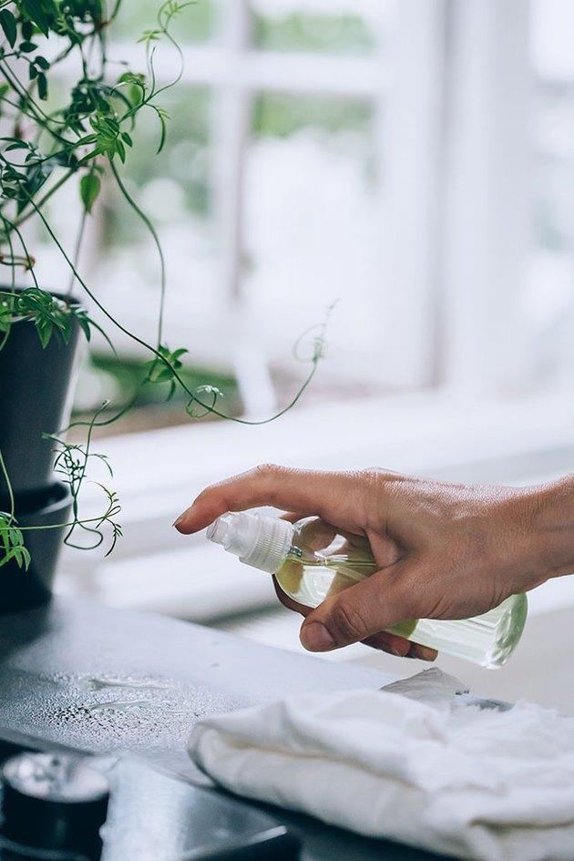 Utilisation du nettoyant tout usage au vinaigre