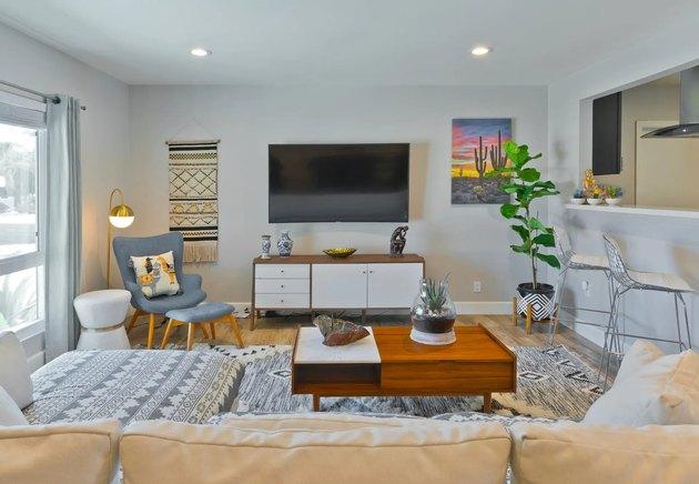Mid-century-inspired living room