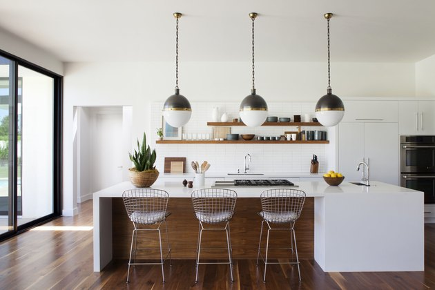 Black-and-white globe-style midcentury kitchen lighting idea