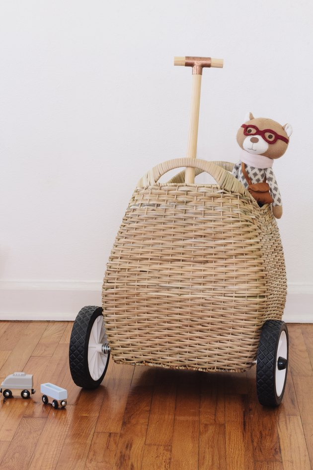 DIY basket on wheels for kids