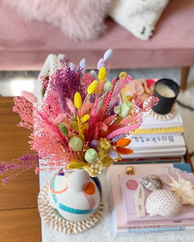Trending Fall Decor in colorful baked flowers in living room
