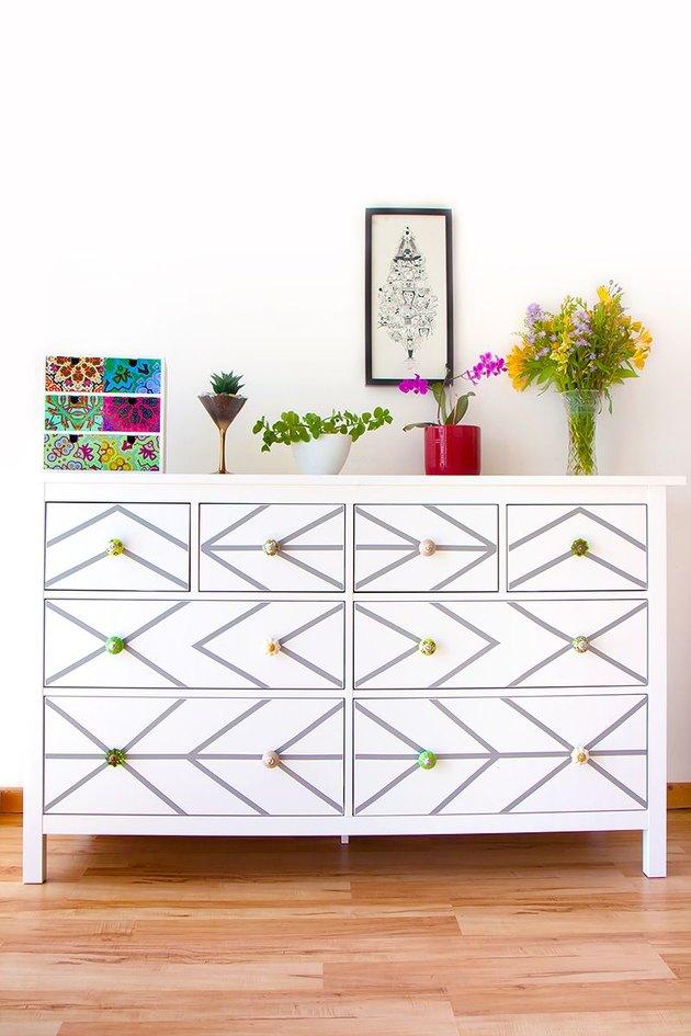 A geometric dresser