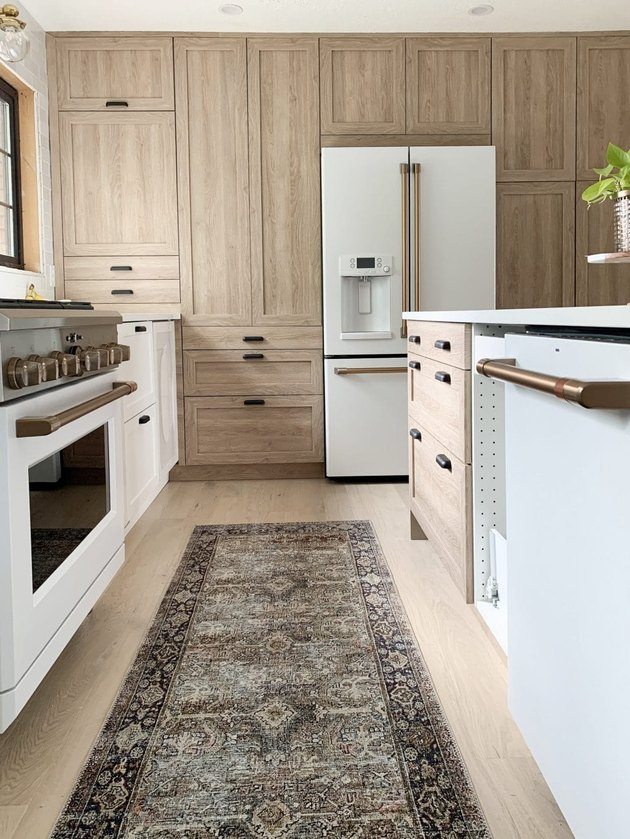 Thermofoil kitchen cabinets in wood finish