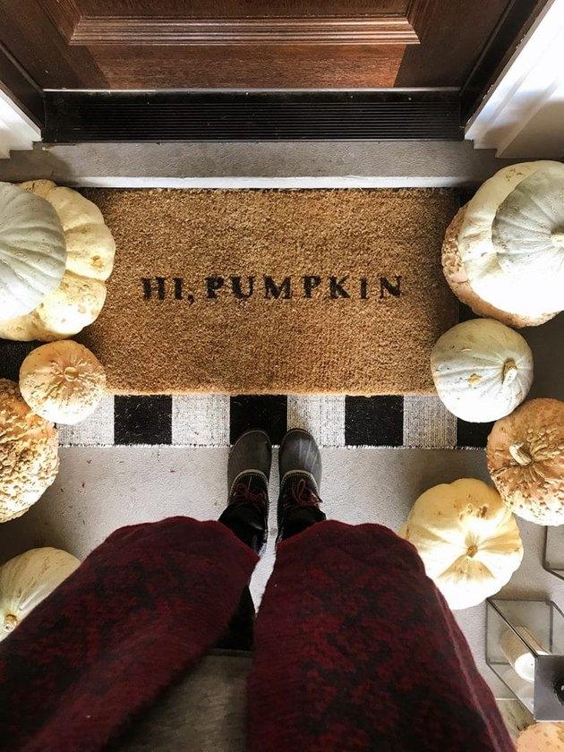 Hi, Pumpkin fall doormat with plaid rug and pumpkins