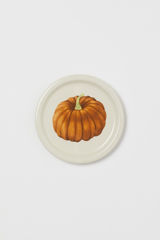 small plate with pumpkin design