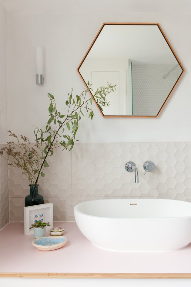 white and pink bathroom