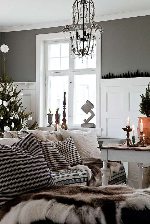Gray walls and lots of accessories