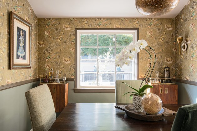 dining room decor idea with floral print wallpaper