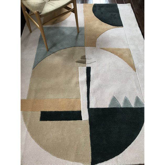 rug with face pattern
