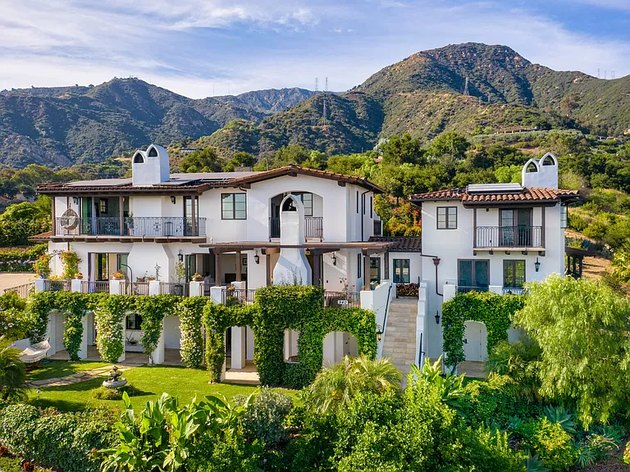 exterior of santa barbara home in nature