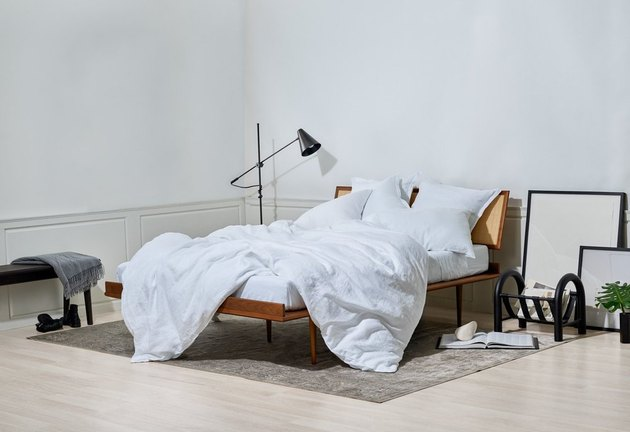 snowe linen sheets