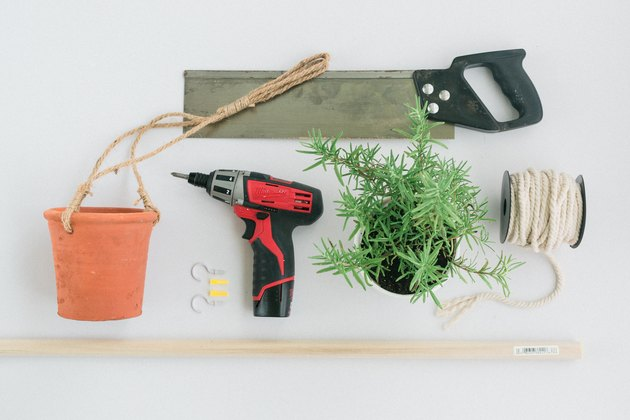 Hanging herb garden DIY materials
