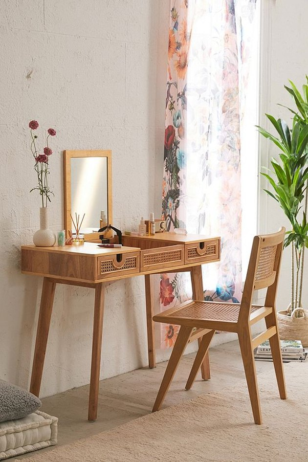 urban outfitters marte vanity