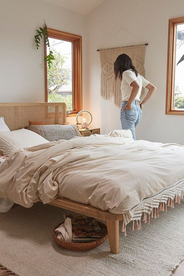 urban outfitters bed