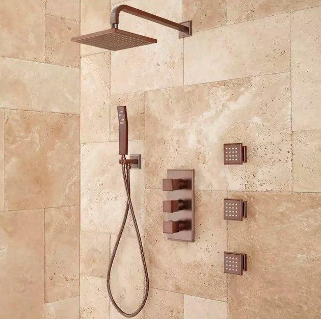 Body spray showerhead