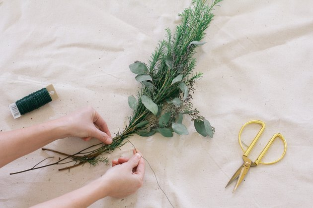 Creating floral bundles