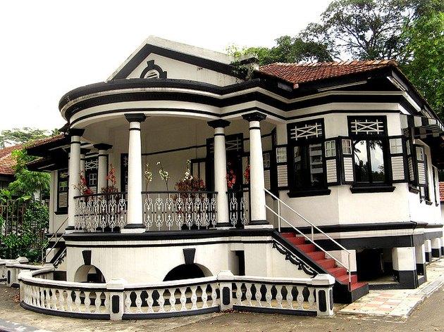 indocafe Black & White Bungalows Singapore