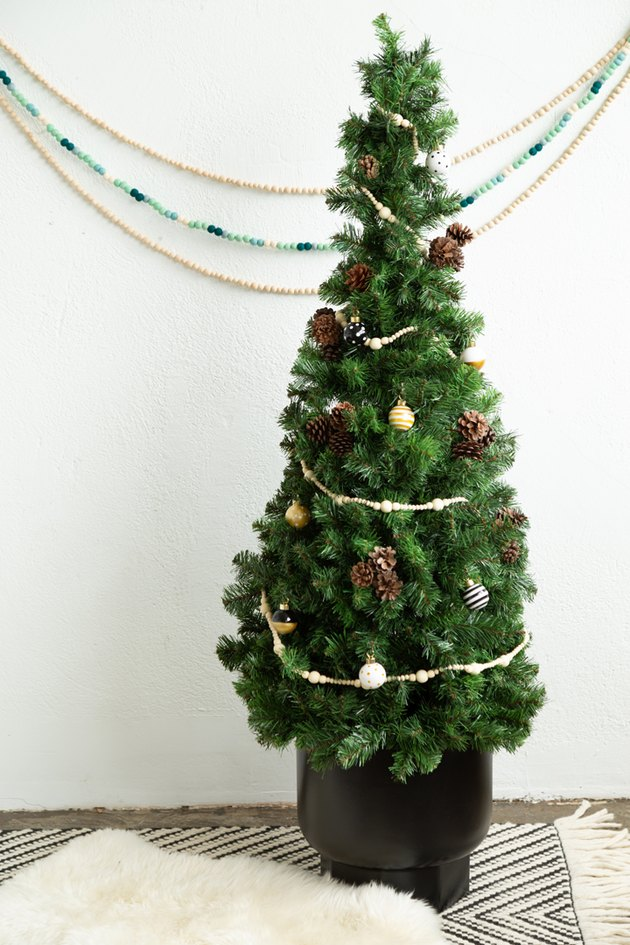 DIY Tomato Cage Tree for the holidays