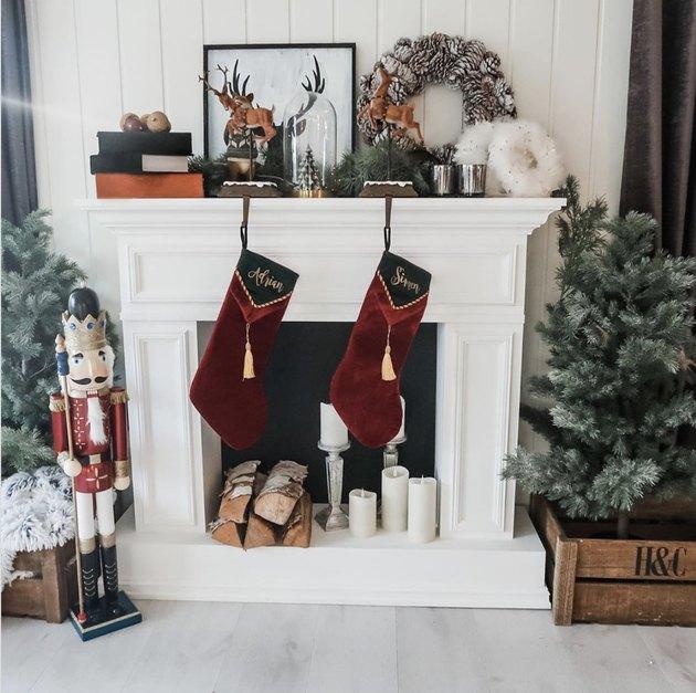 Reindeer Christmas stocking holder with red velvet stockings