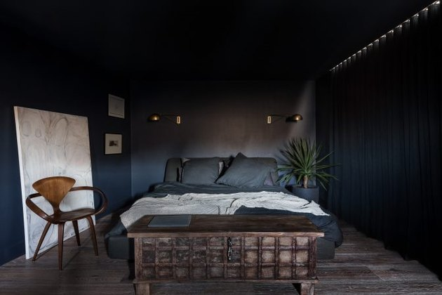tone on tone navy blue bedroom color idea