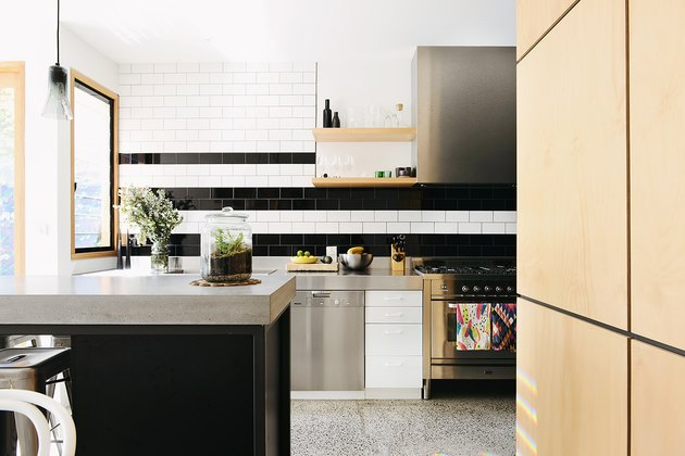 Kitchen in Holden Street House by Nest Architects