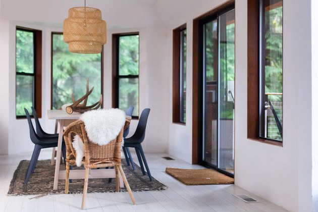 A woodsy white dining room