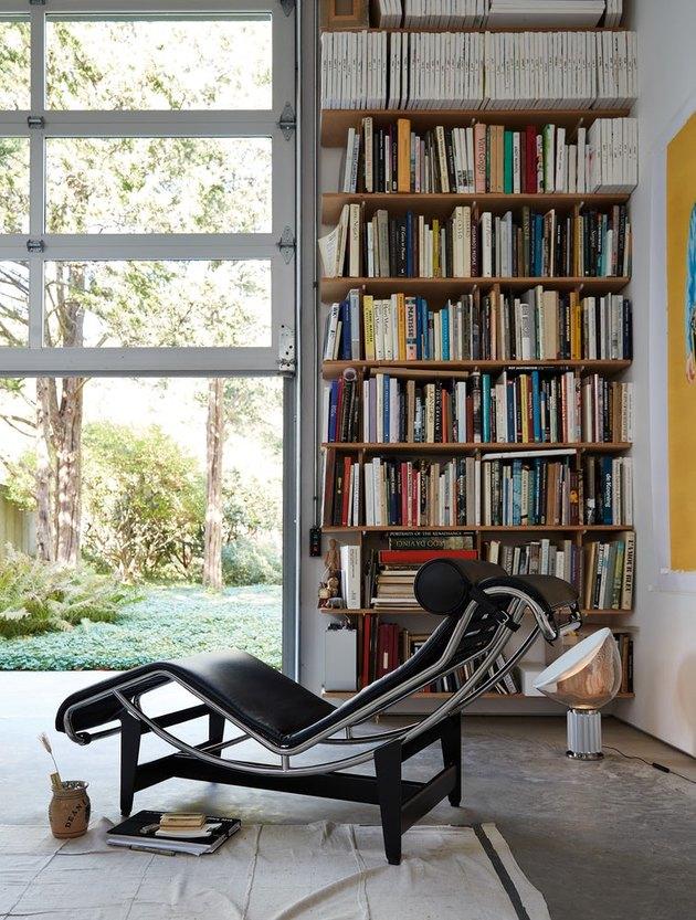le corbusier Bauhaus Chair in living area