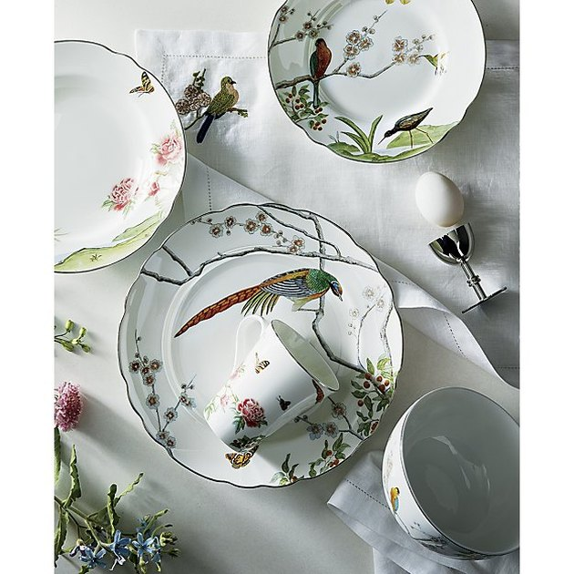 dinnerware with birds