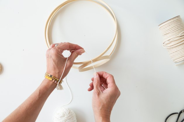 DIY Embroidery Hoop Hanging Planter