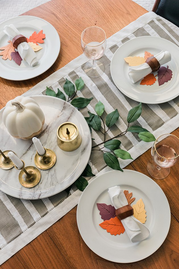 Let the painted runner dry then lay on your Thanksgiving table.