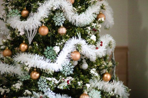 White Christmas Tree Decorations garland