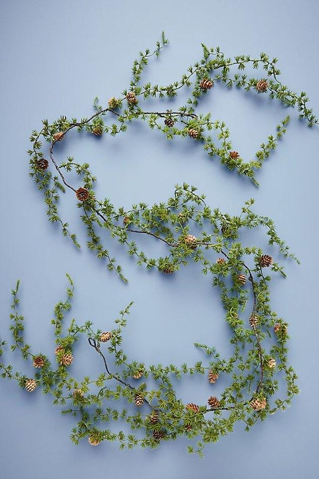 pinecone decorative garland