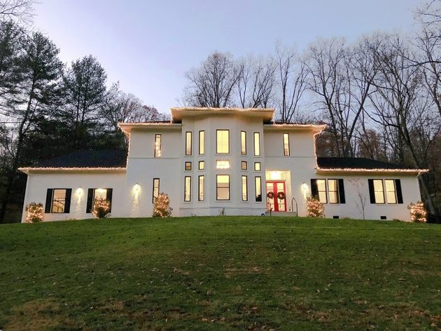 Christmas Light Ideas on white house in field