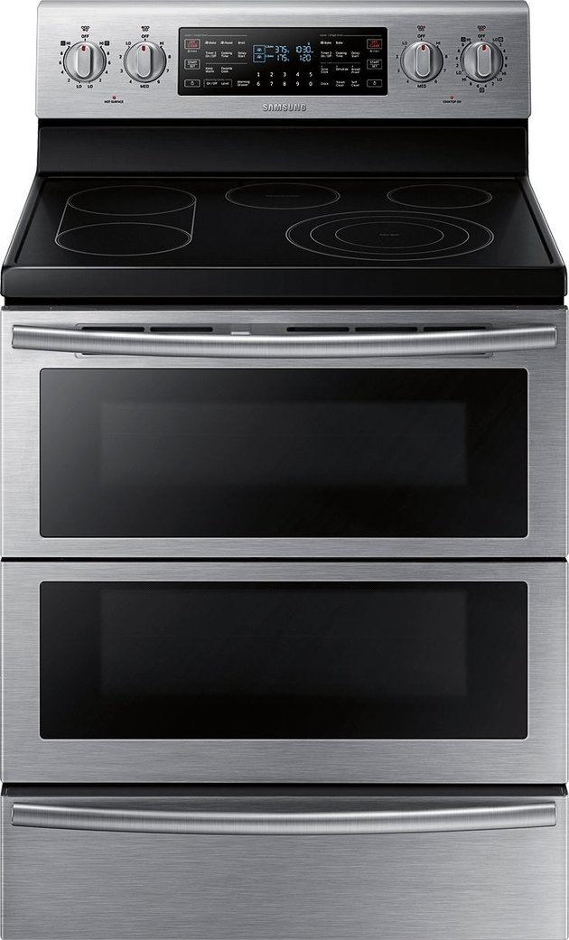 Double oven stove by Samsung in stainless steel with an electric range