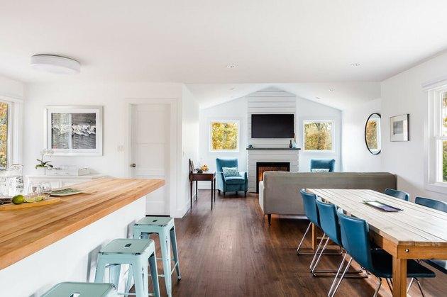 complete apartment with bonus room above garage idea