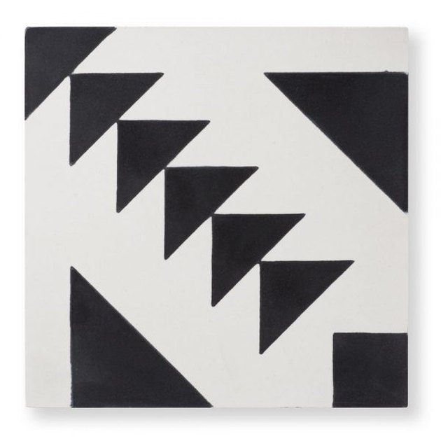 Black-and-white geometric tile