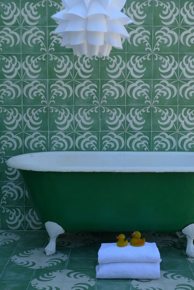 Green frond tiling