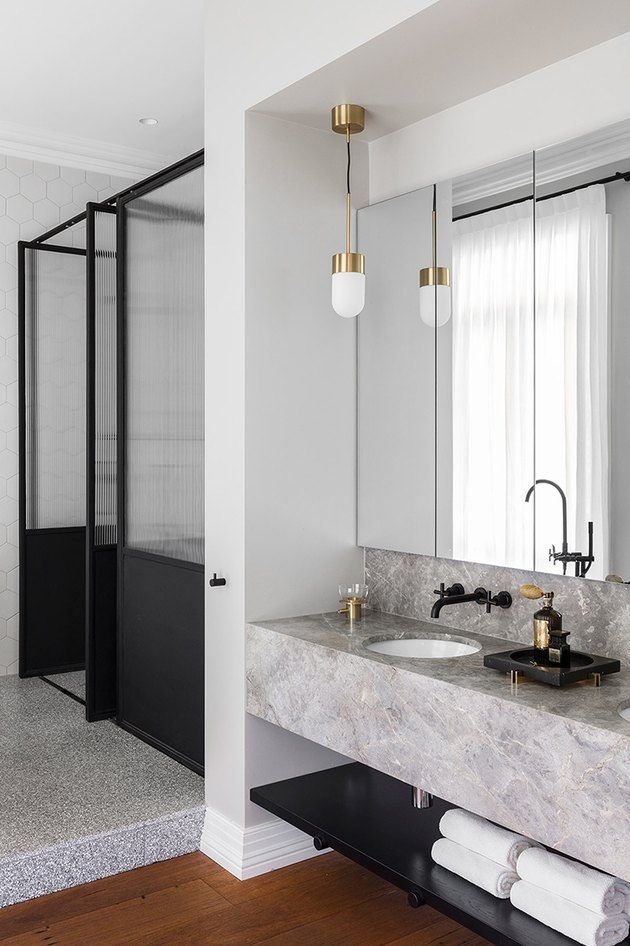 marble bathroom countertop