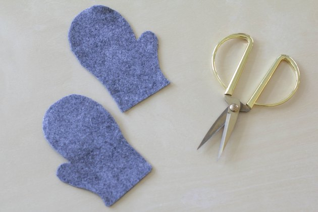 Mitten pieces cut out of felt