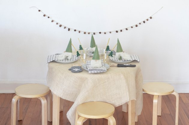 DIY Scandinavian kids holiday table