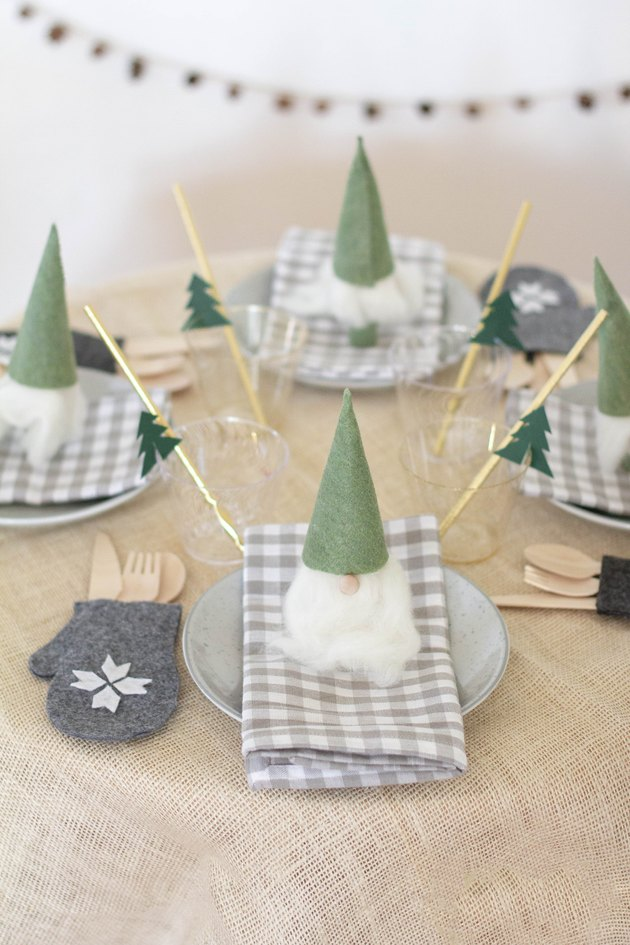 DIY Nordic Christmas kids table