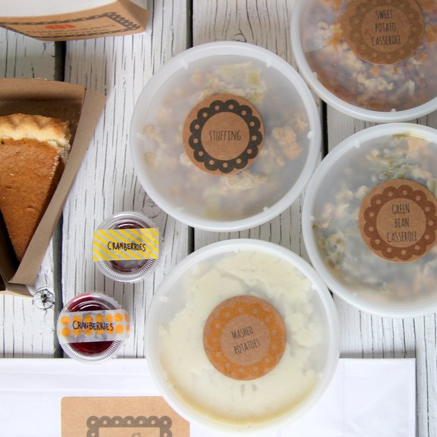 take out containers with printable labels for Thanksgiving leftovers