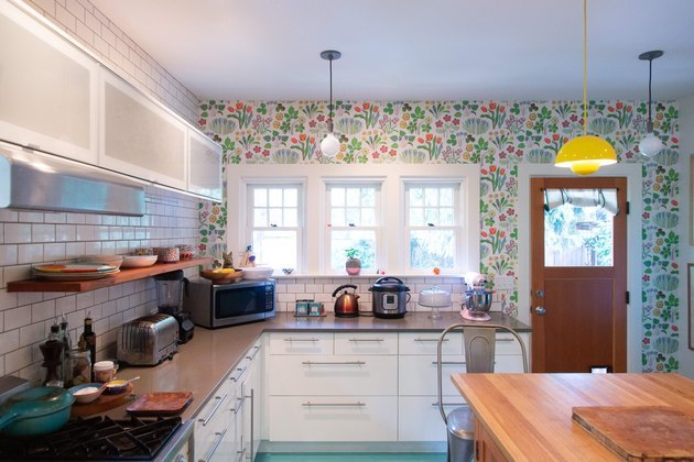 craftsman kitchen with colorful wallpaper